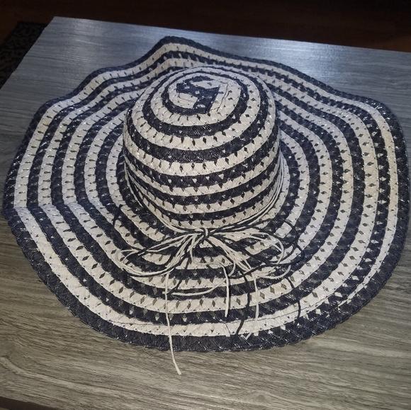 Gorgeous Floppy Navy & White Sun Hat
